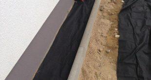 Haus Spritzschutzstreifen aus Kies bauen
