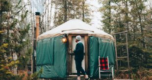 Your Quick-And-Easy Guide To Glamping In A Yurt