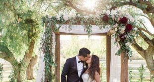 20 Creative Greenery Wedding Arches with Garland