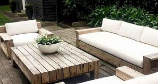 45 Cool DIY Outdoor Couch Ideas to Enjoy Your Relax Moment Outside The House