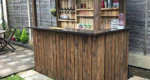 Backyard Pallet Bar