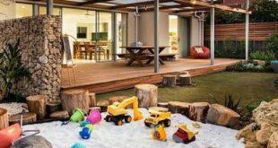 Kinder gebaut in Sandkasten