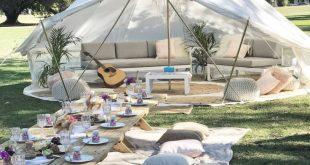Lounge tent setup