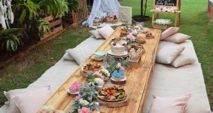 Niedriger Boho-Partytisch aus einer Boho-Babyparty zu Karas Partyideen